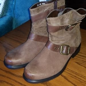 Munro Brown leather DALLAS ankle boots 7 1/2
